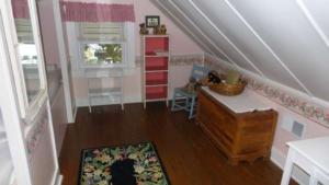 1503 Arendell St. Third bedroom resized