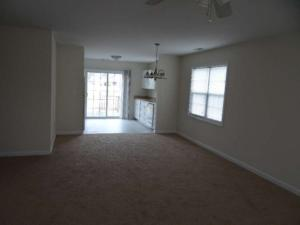 300 South Tree Ct. Living room resized